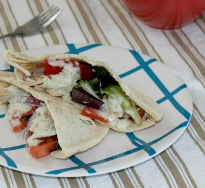 How To Make Chicken Gyros With Tzatziki Sauce In A Slow Cooker