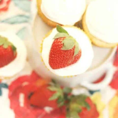 Summer Cupcake Recipes -Strawberries and Cream Cupcakes
