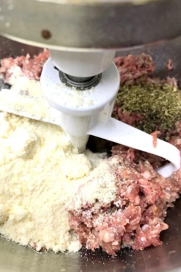 how to make mozeralla stuffed meatballs