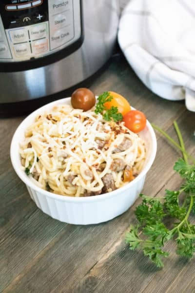 Instant Pot Cheesy Beef and Heirloom Tomato Pasta