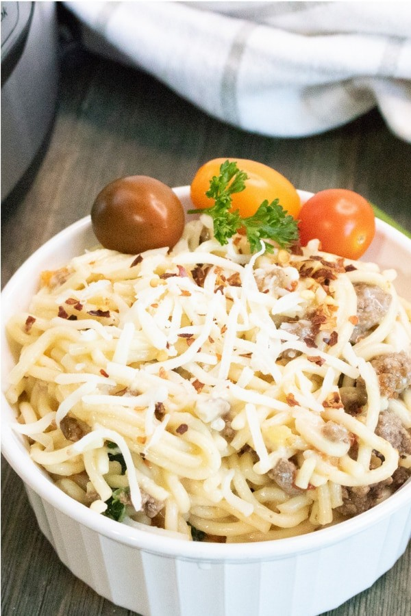 Instant Pot Cheesy Ground Beef Heirloom Tomato Pasta