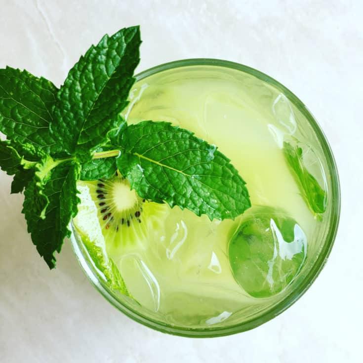 Summer Cocktails: Kiwi CardamonMojito