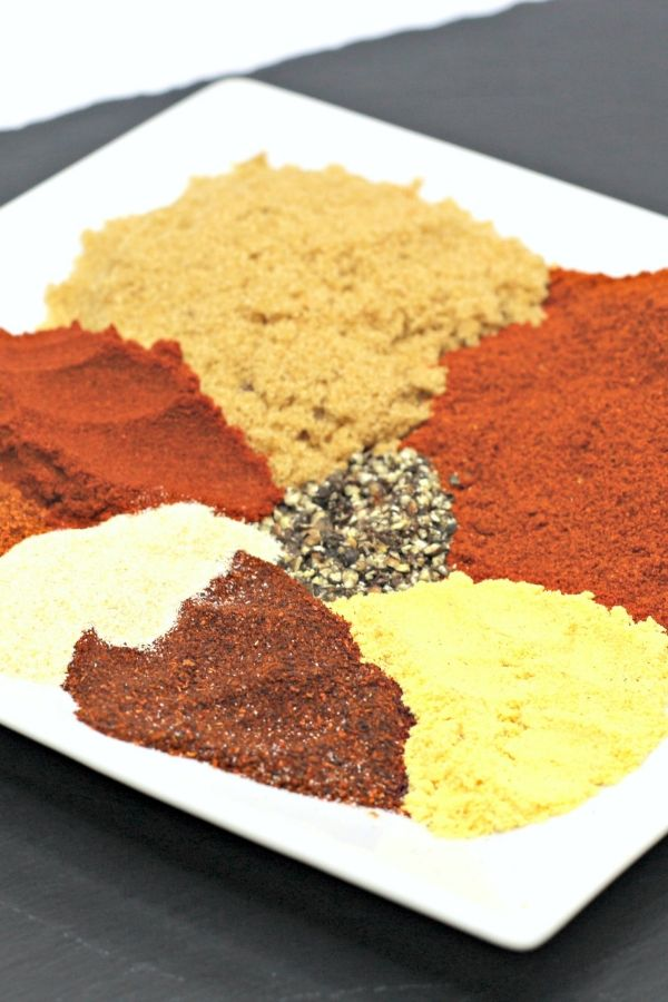 memphis dry rub spices on a plate on table