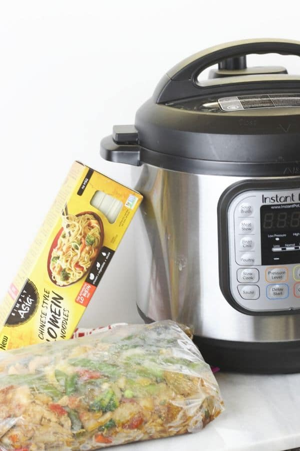 frozen-chicken-lo-mein-pressure-cooker