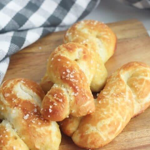shape pretzels