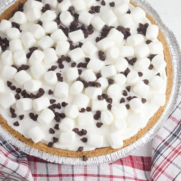 smores pie in a pie pan