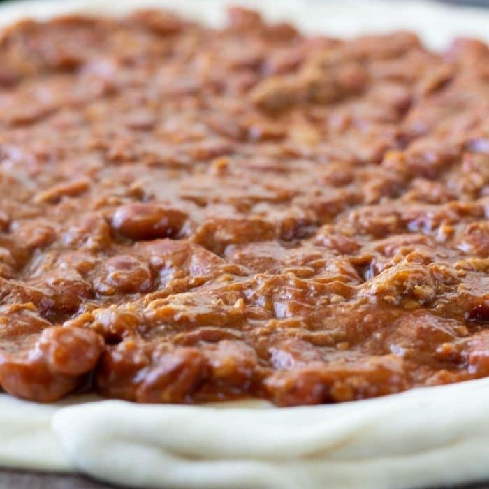 chili on pizza crust