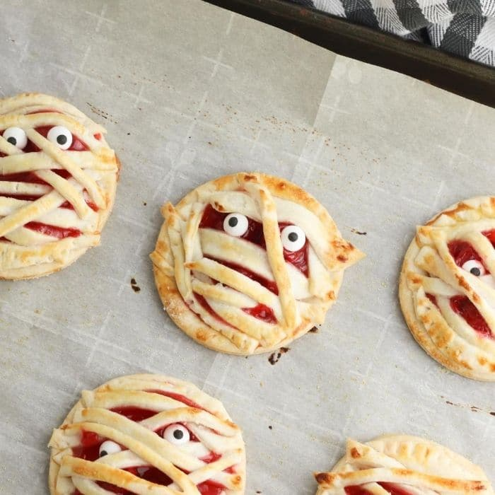 baked mummy Halloween hand pies