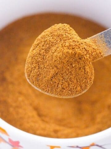 spoonful of apple pie spice