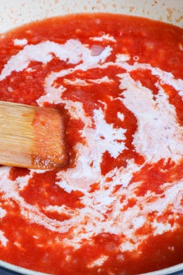 pasta alla vodka sauce being made