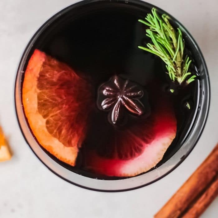 easy mulled wine closeup in a cup