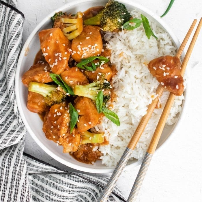 chinese chicken in a bowl