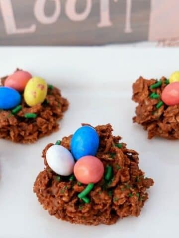 bird nest Easter cookies on platter on table