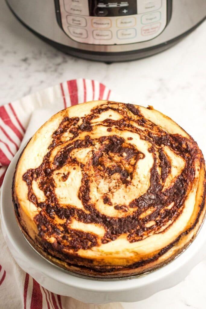 homemade cinnamon cheesecake