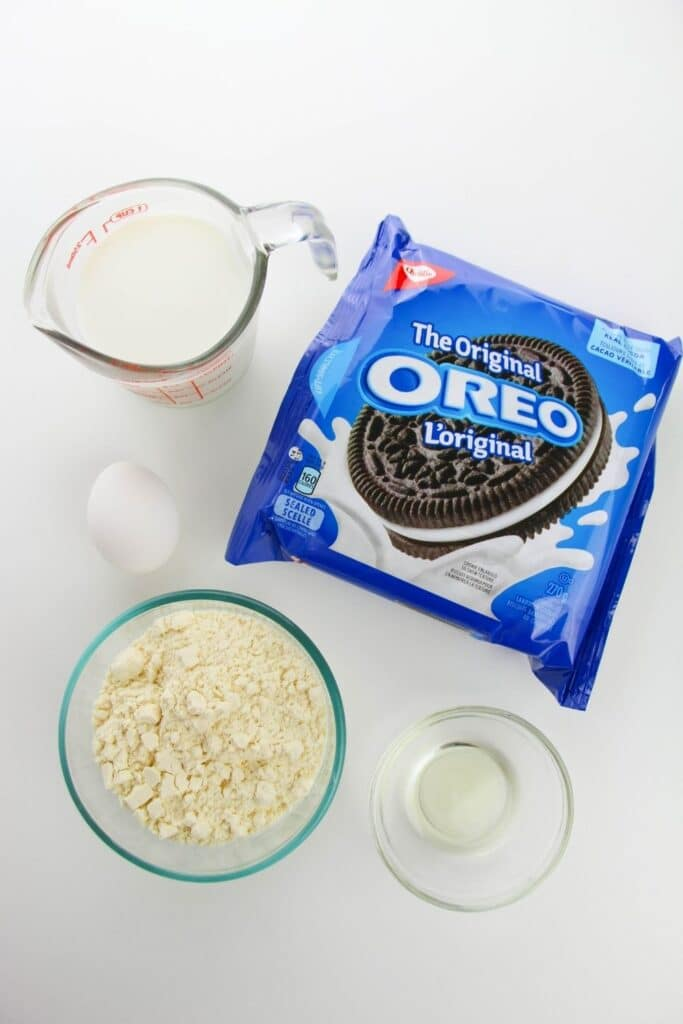 Oreos with ingredients on table for fried Oreos